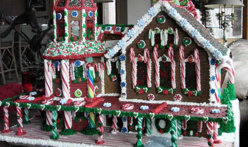 Gingerbread_House_4_opt