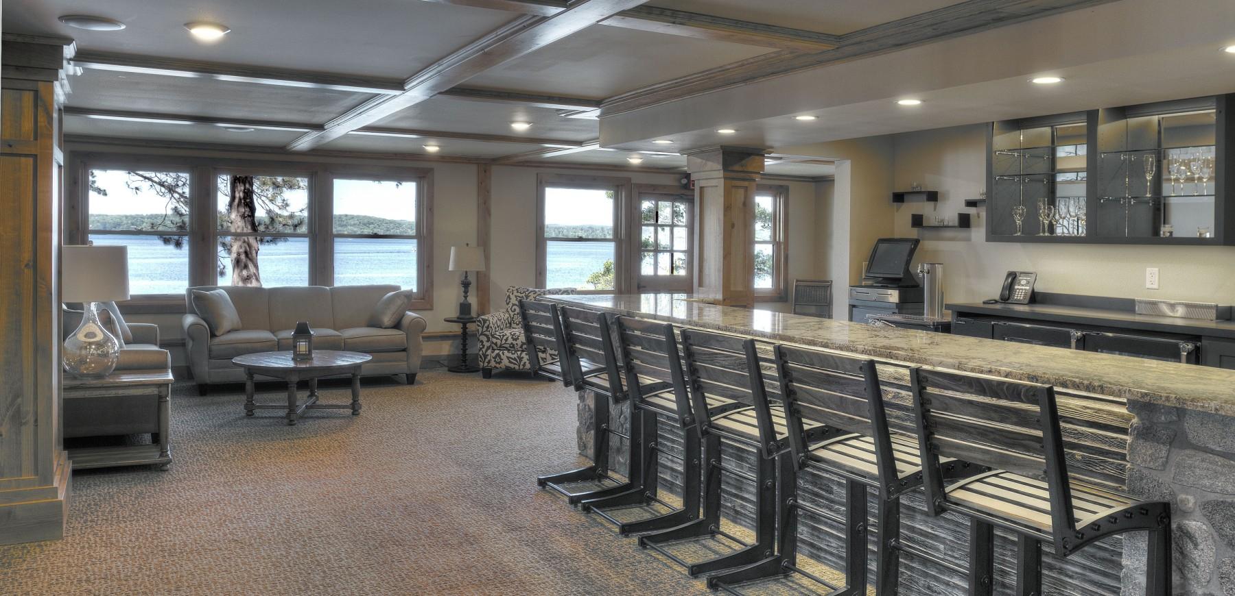 Wilson Bay Bar/Lounge
